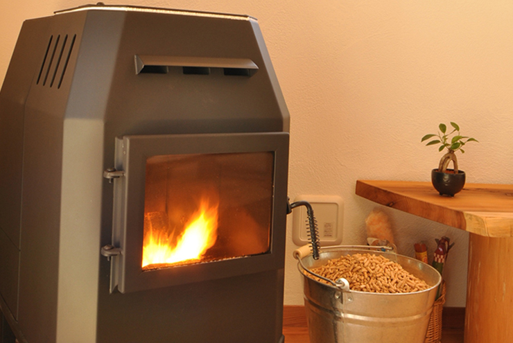 火のある暮らしを実現。ペレットストーブの魅力。